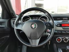 Alfa Romeo-Giulietta-14