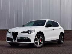 Alfa Romeo-Stelvio-0