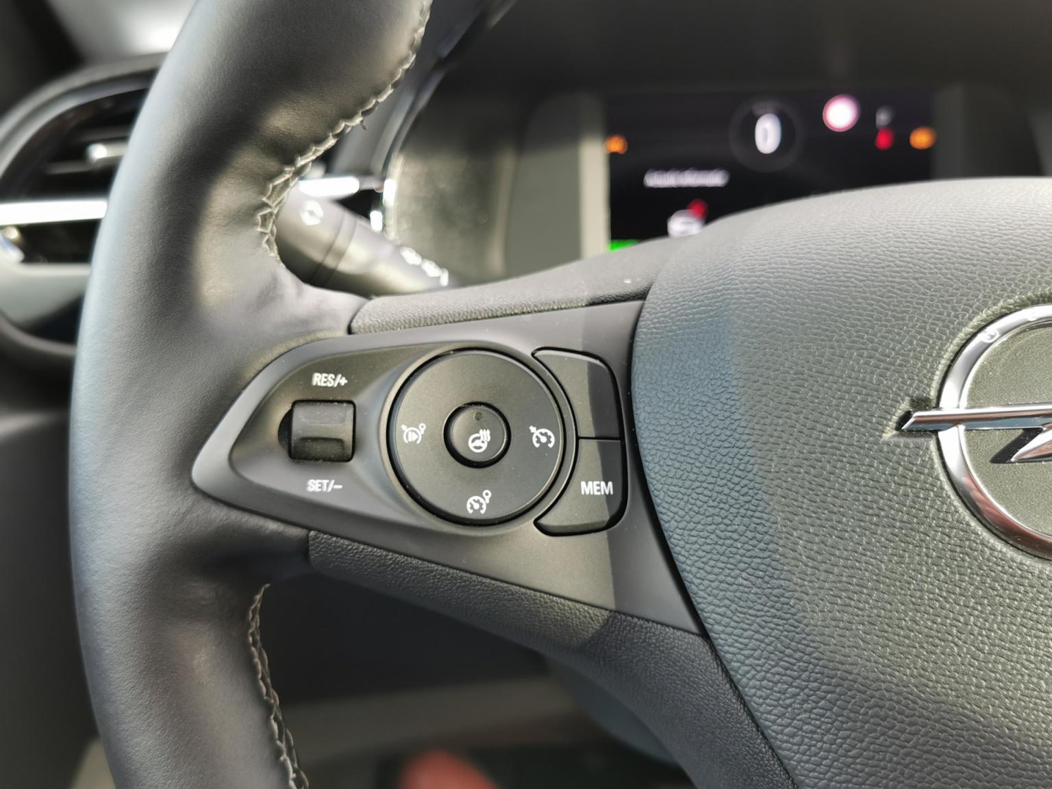 Opel-CORSA-E-13