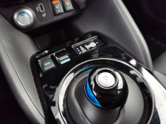 Nissan-Leaf-24