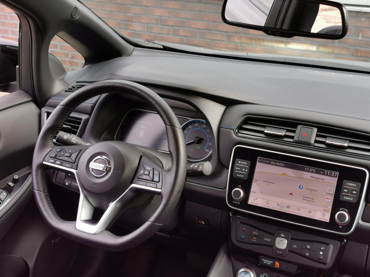 Nissan-Leaf-26