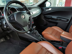 Alfa Romeo-Giulietta-17