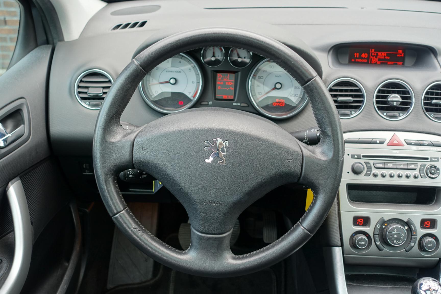 Peugeot-308-20